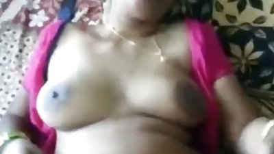 Telugu Aunty Big Boobs Show